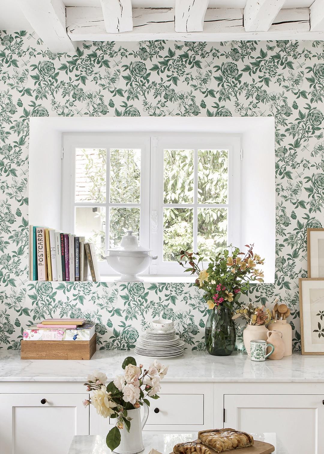 Sezane Floral Wallpaper